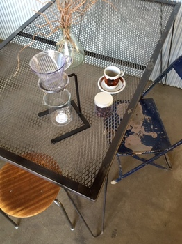 mesh dining table.jpg
